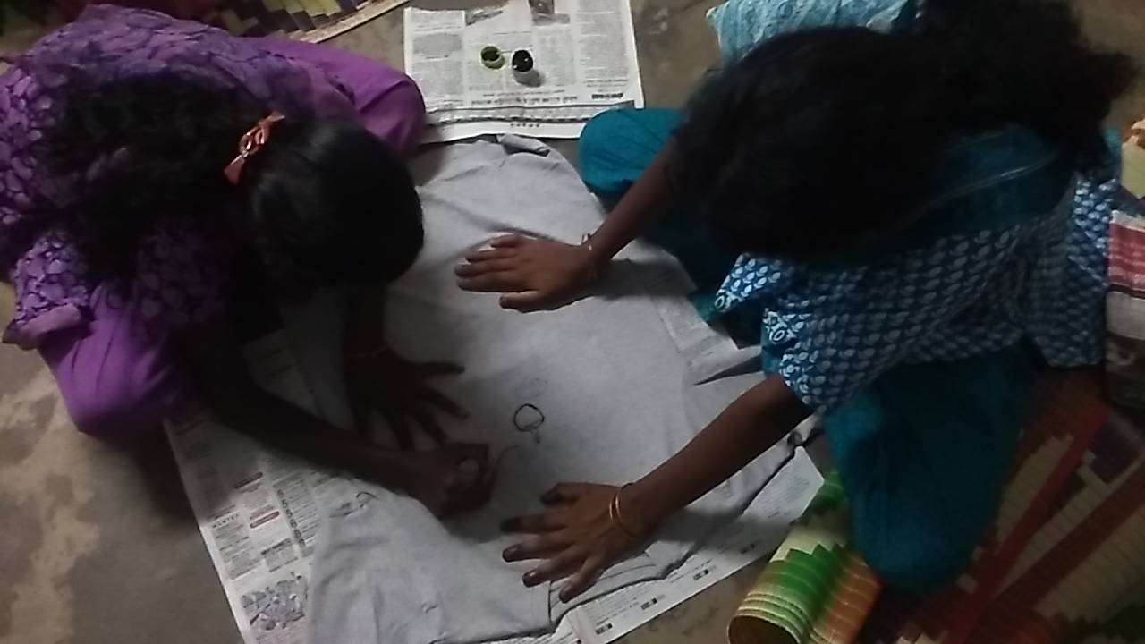 T-shirt painting : Reflecting their adivasi values through art